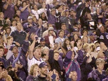 crowd_cheering_med